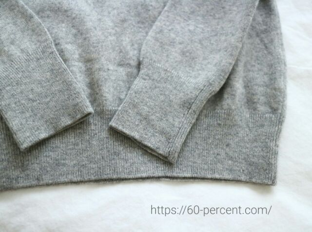 2年目のユニクロのカシミヤセーターの画像