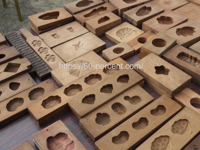 四天王寺骨董市の菓子の木型の画像