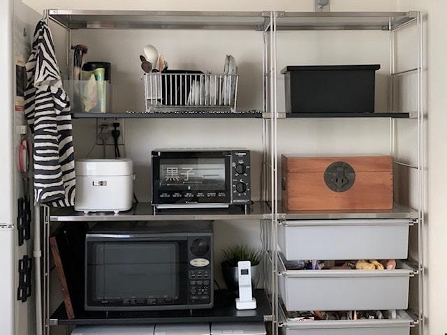 キッチン収納棚の画像